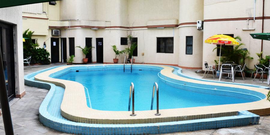 Master Quality Inn - Swimming Pool