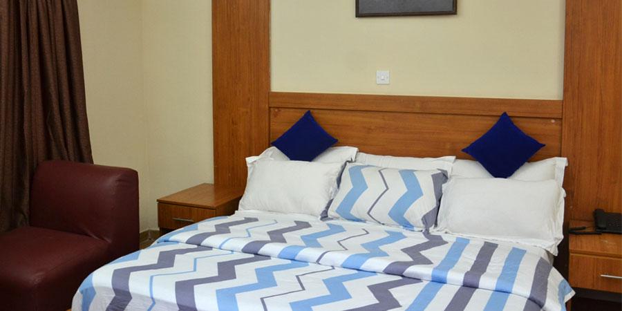 Master Quality Inn Standard Room